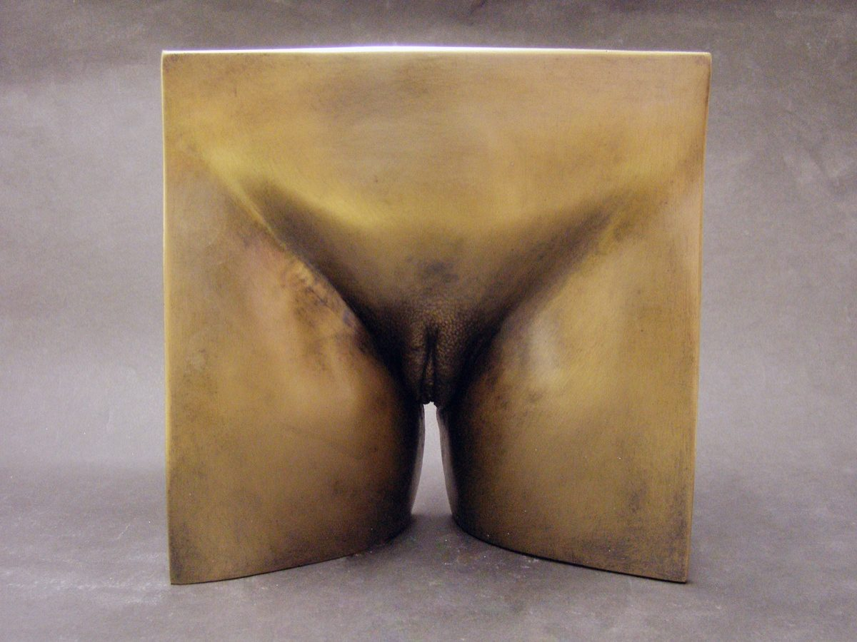 eight-inches-square-vulva-bronze-resin-1b